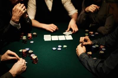 Чтобы добиться успеха в покере, мало уметь играть в карты